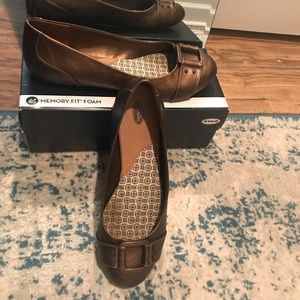 Bronze dr scholl's flats with buckle
